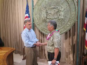 Board Member Jan Medusky & Governor Ige